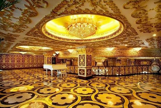 Chinese-Versailles-550x369.jpg