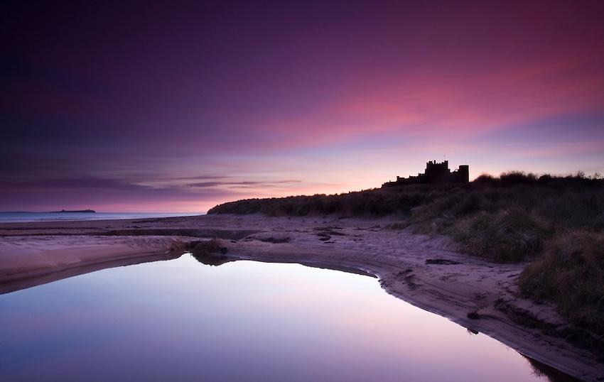 NE-England-Northumberland-BamburghCastle-Winter-Sunrise-01.jpg