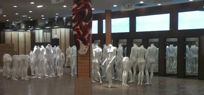 mannequins2a.jpg