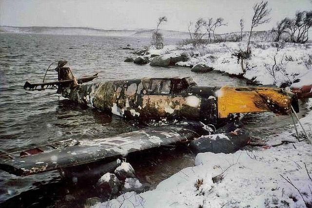 bf-109-wreck-russia-lake-8.jpg