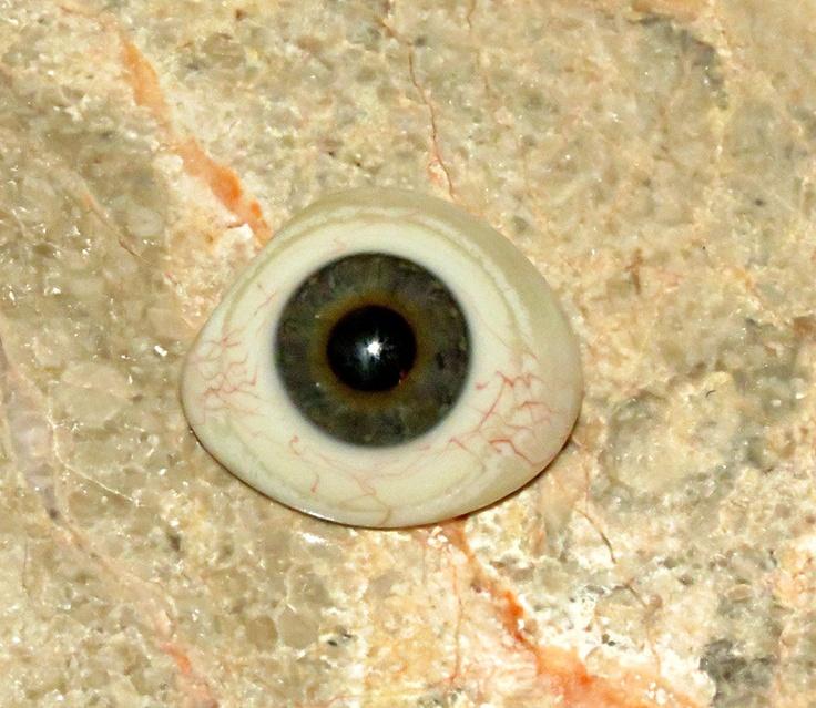 glass-eye-2.jpg