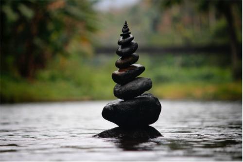 amazing-balance-blur-312839_Photo_by_Nandhu_Kumar_from_Pexels3